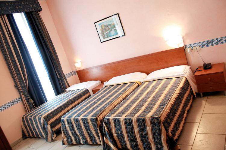 Albergo alessander milano hotels 2 stelle milano hotel for Hotel milano economici